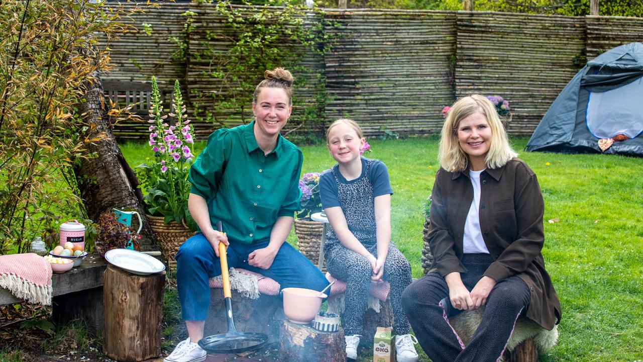Tag med Sofie Linde på Madløjer i sommerferien ☀️ Oplev hvordan madlavning med børn kan blive til en sjov aktivitet for hele familien.